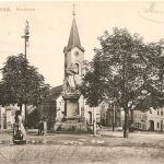063.Tržní se sousoším 1906 čb.
